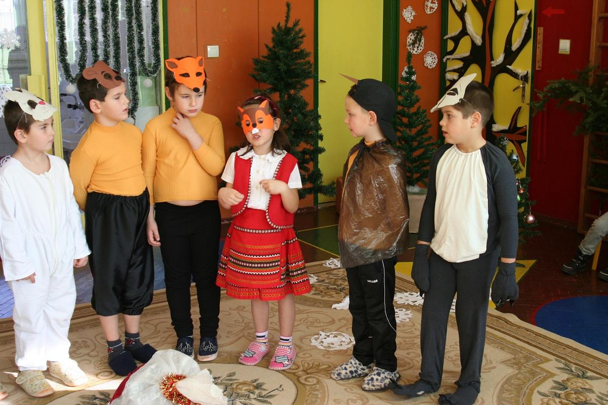 Разглеждате: Дядо Коледа в детската градина - Снимки + Видео