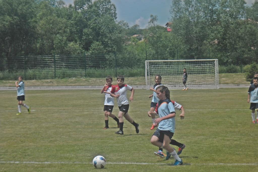 Разглеждате: Дебют на най-малките футболисти на ФК ДРАГОМАН.